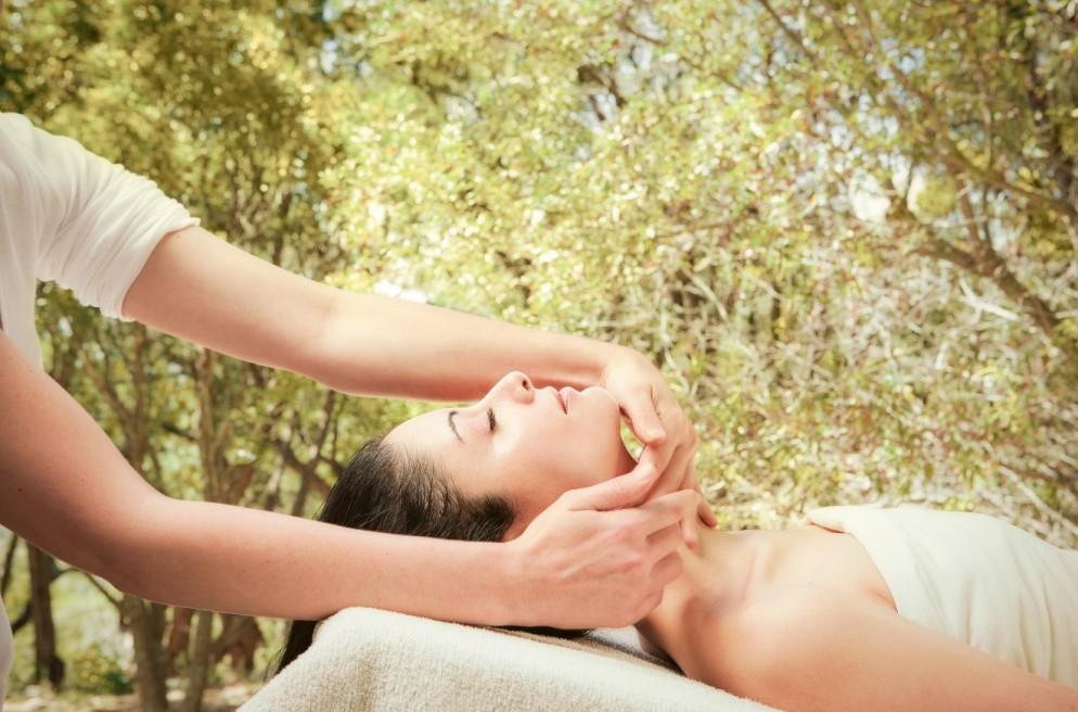 7 Ways to Nurture Your Skin in the Sun